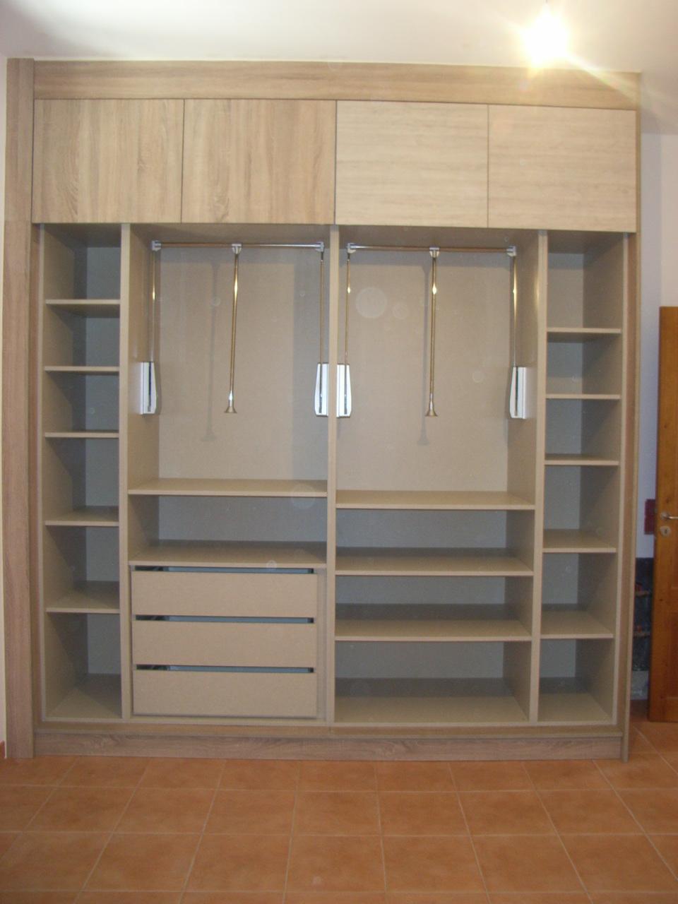 Armarios y vestidores a medida en mallorca presupuesto de for Accesorios para interiores de armarios de cocina